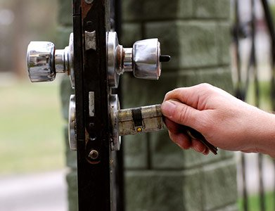 Neighborhood Locksmith Store San Antonio, TX 210-780-7324